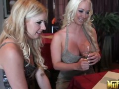 Blondes Lexi Belle and Molly Cavalli in superb 1on1 lesbian action.